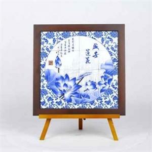 """Quadro pequeno com azulejos de imagens de """"Macau Património Mundial"""""""