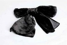 黑色絨圍巾