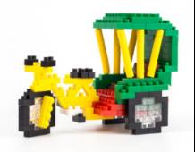 以三輪車爲主題的積木玩具