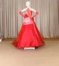 紅色晚禮服