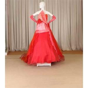 红色晚礼服
