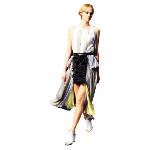 上衣配半褶长裙