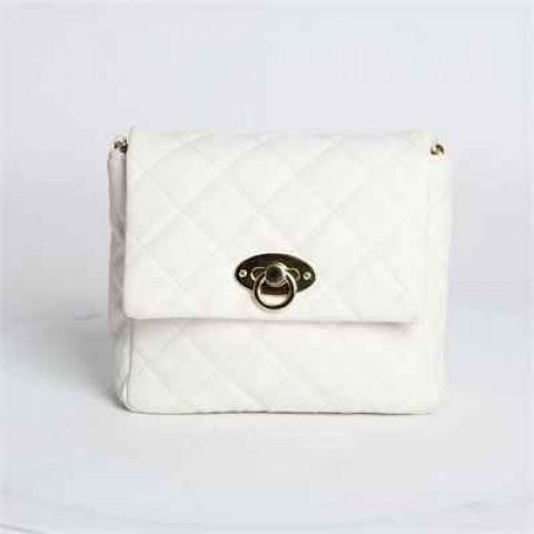 白色小手袋