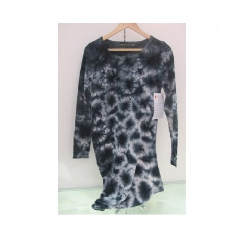 Black and White Pattern Long T-shirt