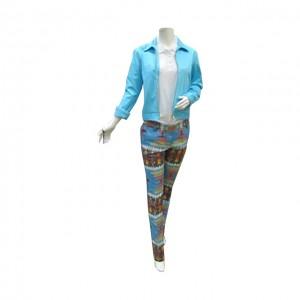 藍色女裝褸 + 米白女裝上衣 + 彩色褲