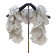 灰白色颈巾