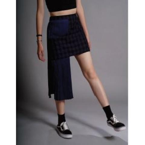 格纹不对称短裙