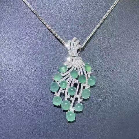 Série Jadeíte - Broche/Pingente de Diamante e Jadeíte Naturais