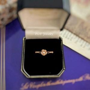 Life as a Rose - 18K gold, diamond